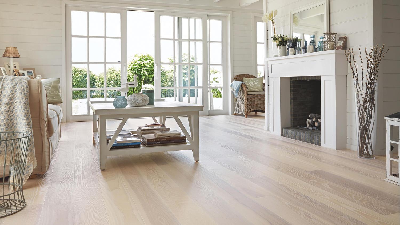 Träbaserade golvmaterial och luftfuktighet