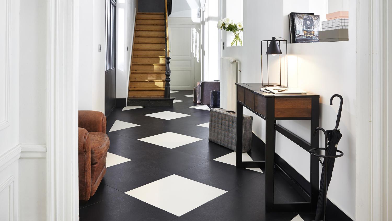 Modularne podłogi LVT zapewniają wiele korzyści i nieskończone możliwości projektowe