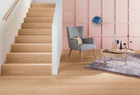 Nye matchende trappeforkanter af træ til trapper og gulve
